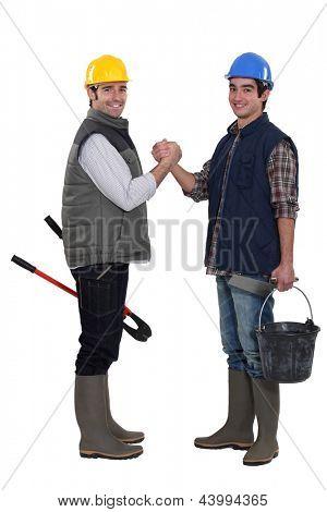 Gruß einander Bauarbeiter