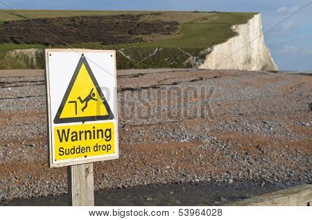 Warning cliff sign