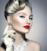 foto of vintage jewelry  - Glamourous Retro Woman Portrait - JPG