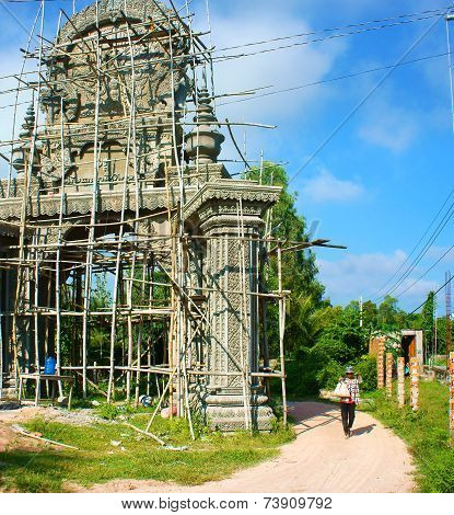 Construction Work, Construct Khmer Pagoda Gate