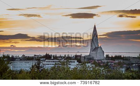 Hallgrimskirkja Church at sunset in Reykjavik, Iceland