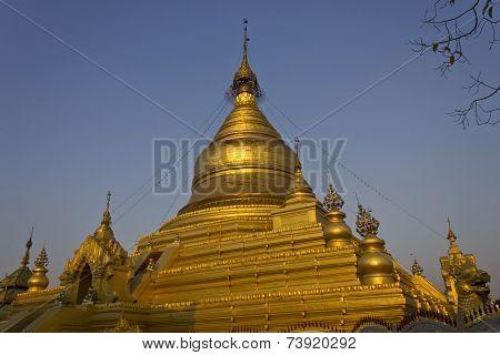 Mandalay Temple Kutho Daw Pagoda