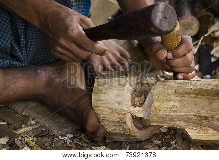 Burmese Artisan Works Wood, CLOSE up