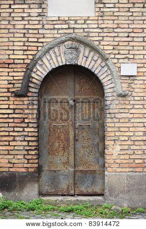 Medieval front door in Rome