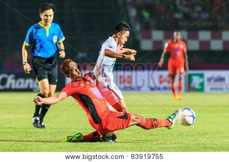 Sisaket Thailand-february 18: Ekkapan Jandakorn (orange) Of Sisaket Fc. In Action During Thai Premie