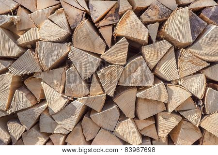 Firewood with ribbed intersection