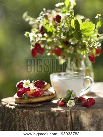 bouquet of strawberry and pancakes