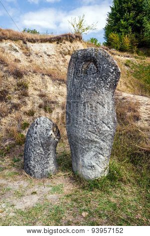 The Trovants Of Costesti - The Living And Growing Stones Of Romania