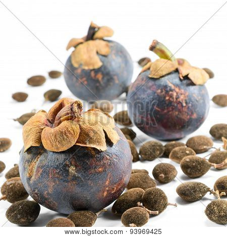 mangosteen with seeds