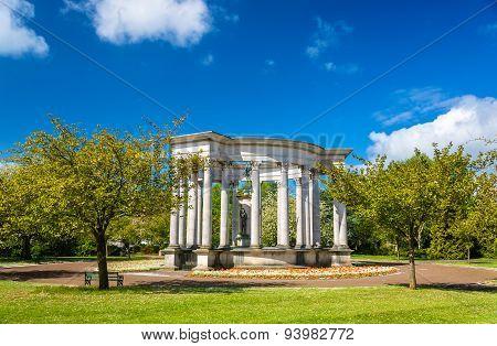 Welsh National War Memorial In Alexandra Gardens, Cardiff