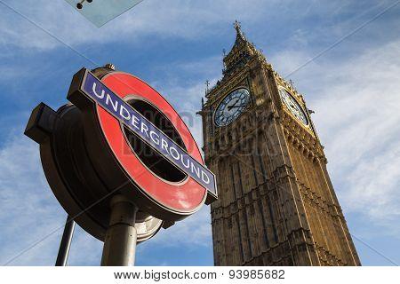 Big Ben (elizabeth Tower) And A London Underground Sign