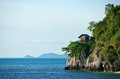 pic of tropical birds  - a hut on tropical birds nest island - JPG