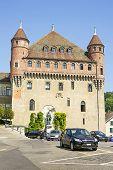 picture of chateau  - Lausanne Saint - JPG