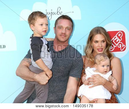LOS ANGELES - SEP 24:  Hudson Sawa, Devon Sawa, Dawni Sahanovitch, Scarlett Heleena Sawa  at the Red Carpet Safety Awareness Event at the Sony Picture Studios on September 24, 2016 in Culver City, CA