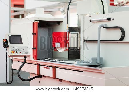 Programmable industrial surface grinding machine, color image, horizontal image
