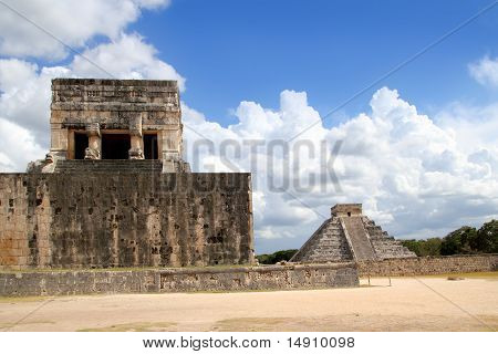 Chichen Itza Jaguar Temple Kukulkan Mayan Pyramid
