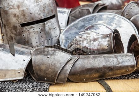 Table full of reconquest christian warriors armour elements