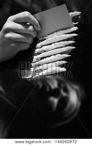 Hand Dividing Narcotic