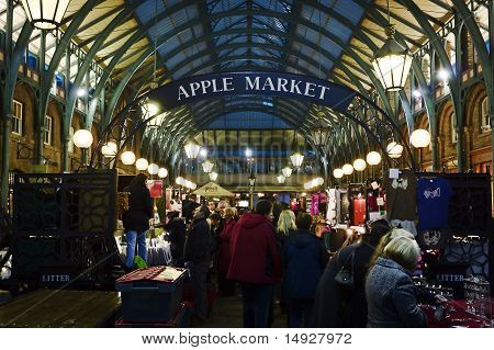 Covent Garden, London - 12 March 2011 - Apple Market In Covent Garden In London Crowed Of People