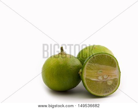 Fresh lime and slice Put on a white background.