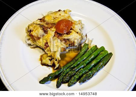 Asparagus with omlette and tomates cherry