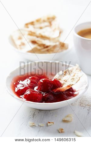 Strawberry marmalade with natural spelt chips