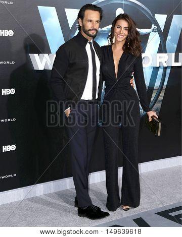 LOS ANGELES - SEP 28:  Rodrigo Santoro, Melanie Fronckowiak at the HBO's