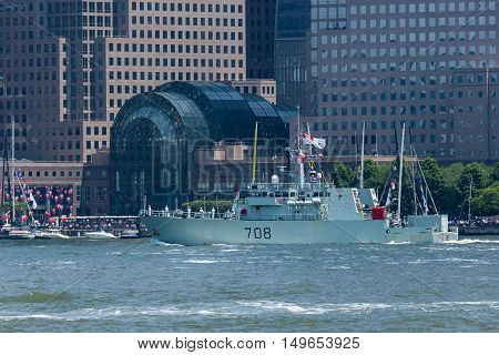 Hmcs Moncton At Fleet Week
