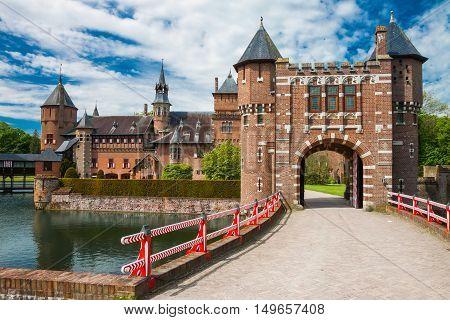Haarzuilens, Netherlands - May 18, 2012: Castle De Haar With The Bridge In The Foreground