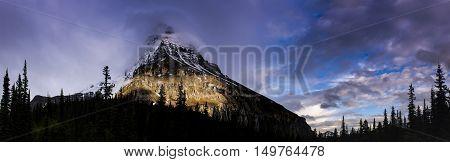 Hiking Berg Lake Trail
