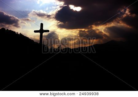 Gott Strahlen auf ein Kreuz