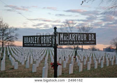Arlington National  Cemetery -  Bradley-Macarthur Signs