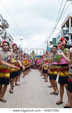 Loei Province,thailand-july 23, 2012.: Students from Si Song Rak school  is dance in Ghost Festival.