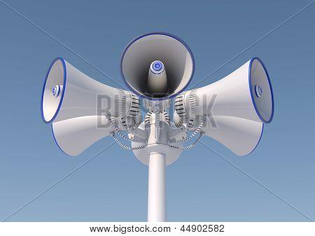 6 loudspeakers on a pole
