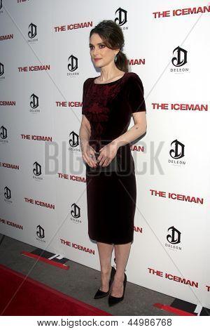 LOS ANGELES - APR 22:  Winona Ryder arrives at