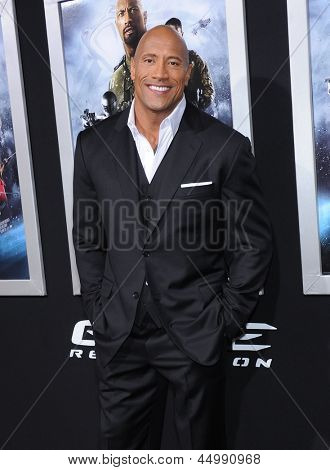 LOS ANGELES - MAR 28:  Dwayne Johnson arrives to the