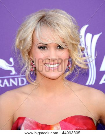 LAS VEGAS - APR 07:  Carrie Underwood arrives to the Academy of Country Music Awards 2013  on April 07, 2013 in Las Vegas, NV.