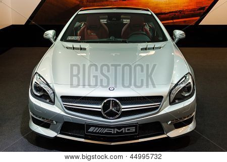 Fourth Generation Of Mercedes-Benz Sl AMG Top Front