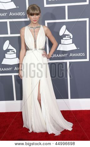 LOS ANGELES - FEB 10:  Taylor Swift arrives to the Grammy Awards 2013  on February 10, 2013 in Los Angeles, CA.