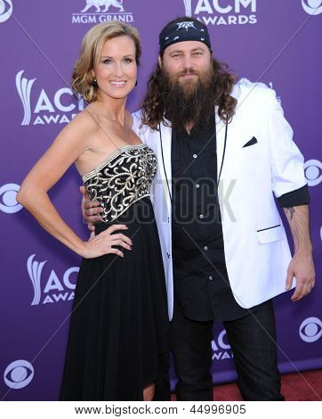 LAS VEGAS - APR 07:  Willie Robertson & wife Missy arrives to the Academy of Country Music Awards 2013  on April 07, 2013 in Las Vegas, NV.