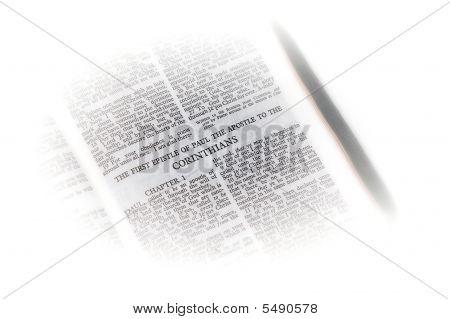 Bíblia aberta a vinheta do Corinthians