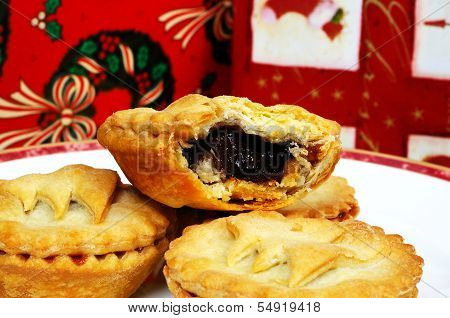 Traditional English mince pies.