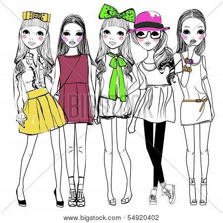 five pretty fashion girls