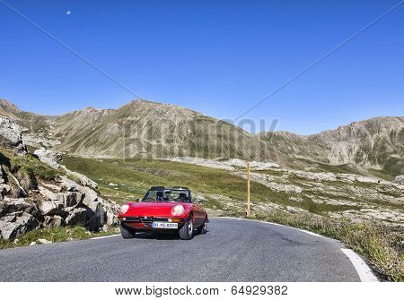 Vintage Car On The Highest Asphalt Road In Europe
