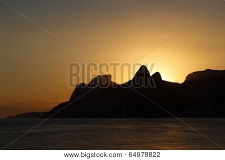 Sunset Mountains Beach Ipanema Leblon, Rio De Janeiro