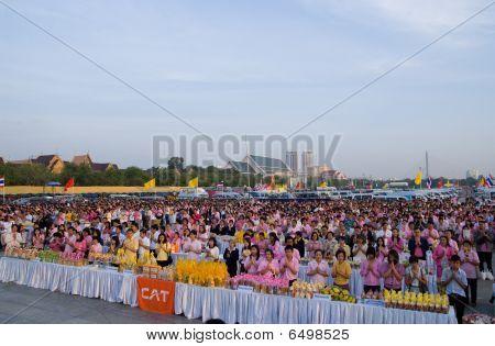 Morning Prayer At Sanam Luang In Bangkok