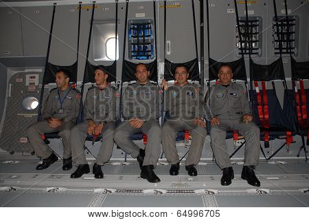TURAF A400M Atlas crew