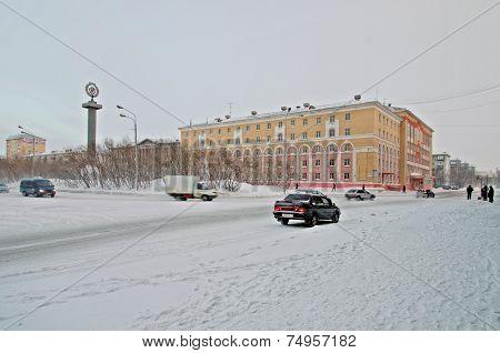 VORKUTA - JANUARY 21: Ubileinaya square on January 21, 2013 in Vorkuta