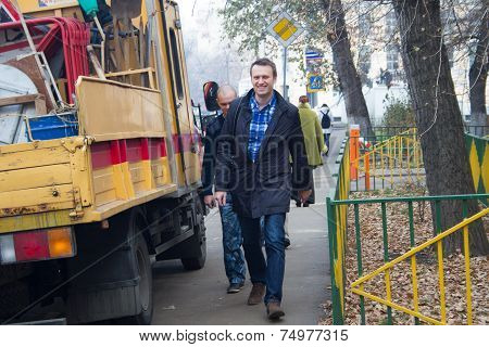 Politician Alexei Navalny Accompanied By An Employee Of The Federal Penitentiary Service Goes On Tri