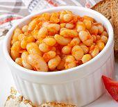 pic of lenten  - Baked beans in a mild tomato sauce - JPG